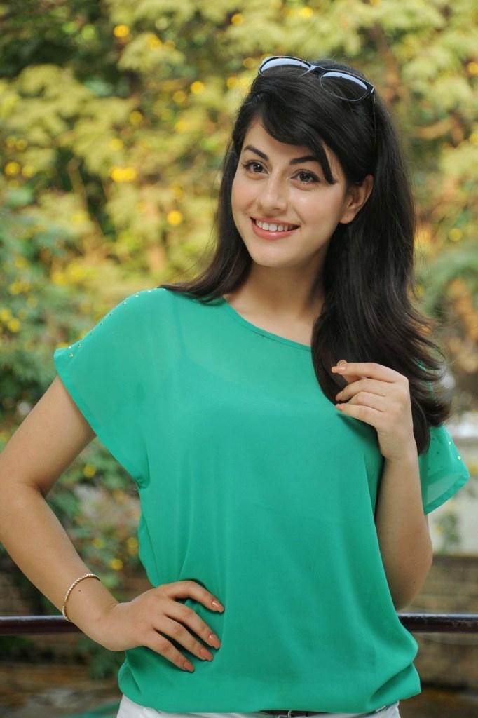 Rishika Jairath Wiki, Age, Biography, Movies, and Beautiful Photos 116