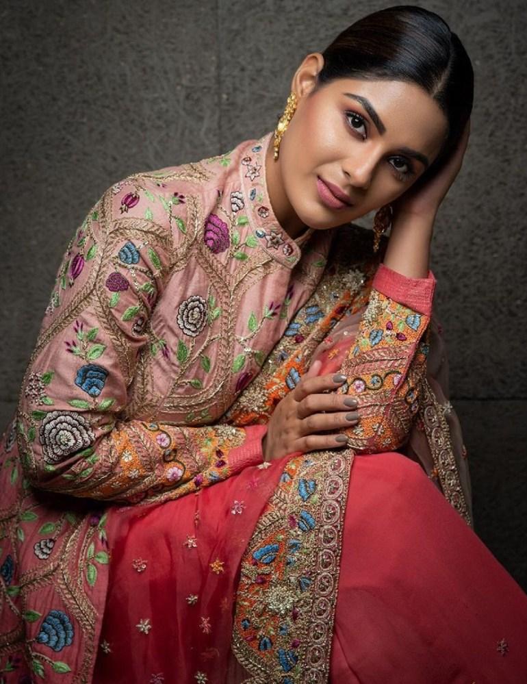 Samyuktha Menon Wiki, Age, Biography, Movies, and Gorgeous Photos 117