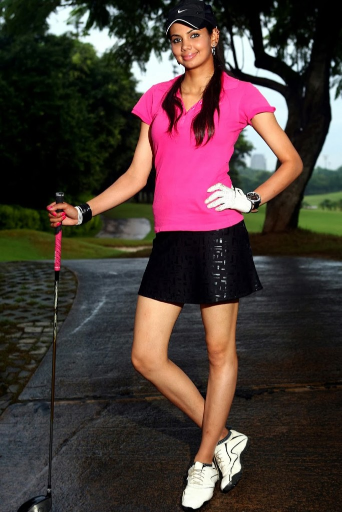 Sharmila Nicollet Wiki, Age, Biography, Family, Career, and Beautiful Photos 110