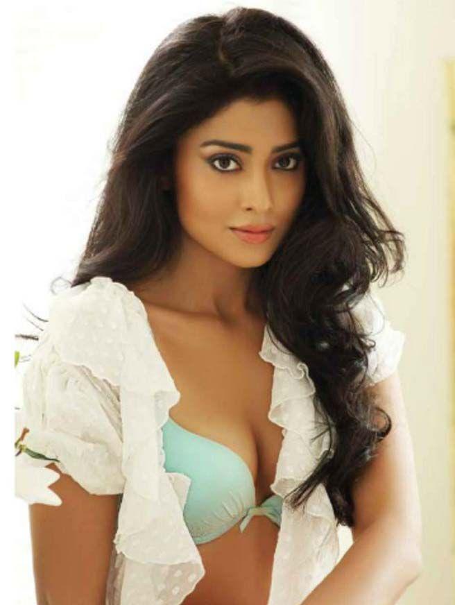 Shriya Saran Wiki, Age, Biography, Movies, and Beautiful Photos 115