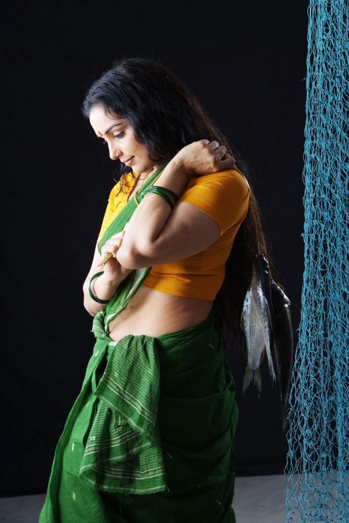 Swetha Menon Wiki, Age, Biography, Movies, and Stunning Photos 125