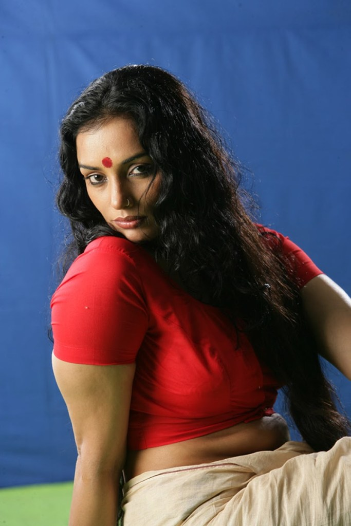 Swetha Menon Wiki, Age, Biography, Movies, and Stunning Photos 128