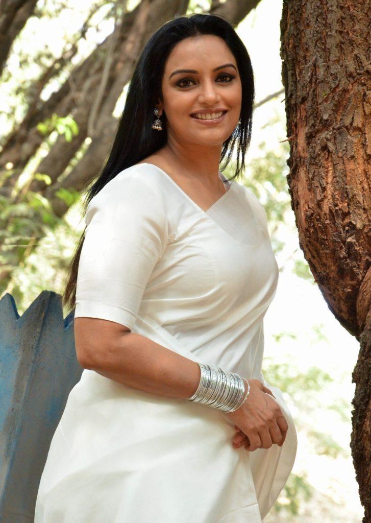 Swetha Menon Wiki, Age, Biography, Movies, and Stunning Photos 132