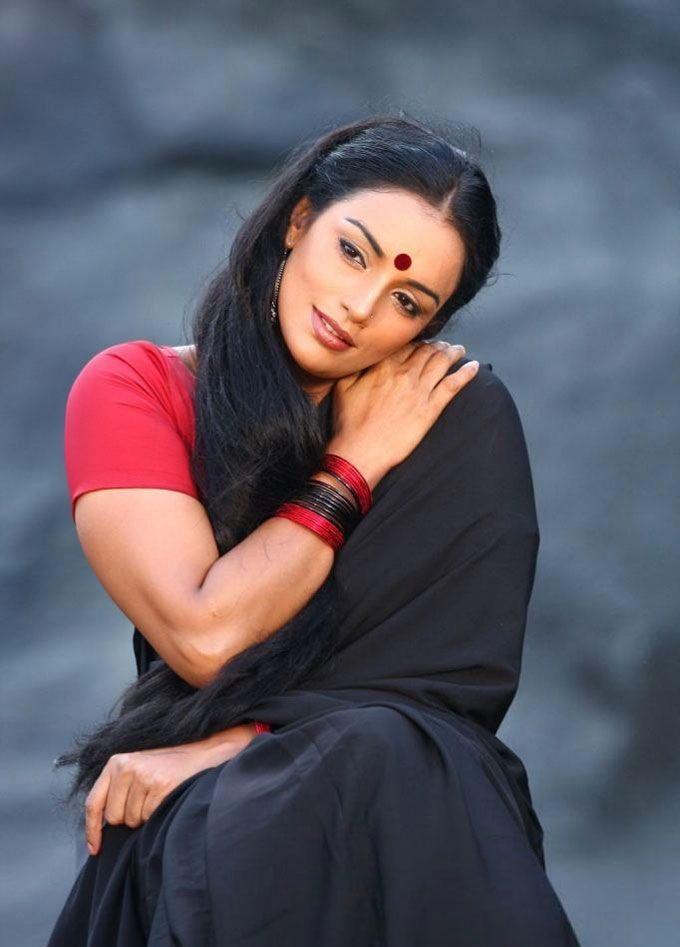 Swetha Menon Wiki, Age, Biography, Movies, and Stunning Photos 133