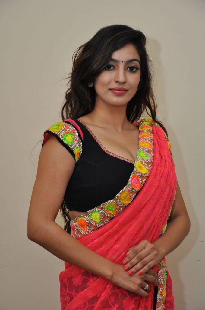 Vaibhavi Joshi Wiki, Age, Biography, Movies, and Beautiful Photos 99