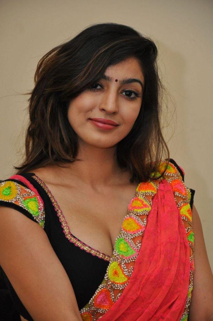 Vaibhavi Joshi Wiki, Age, Biography, Movies, and Beautiful Photos 102