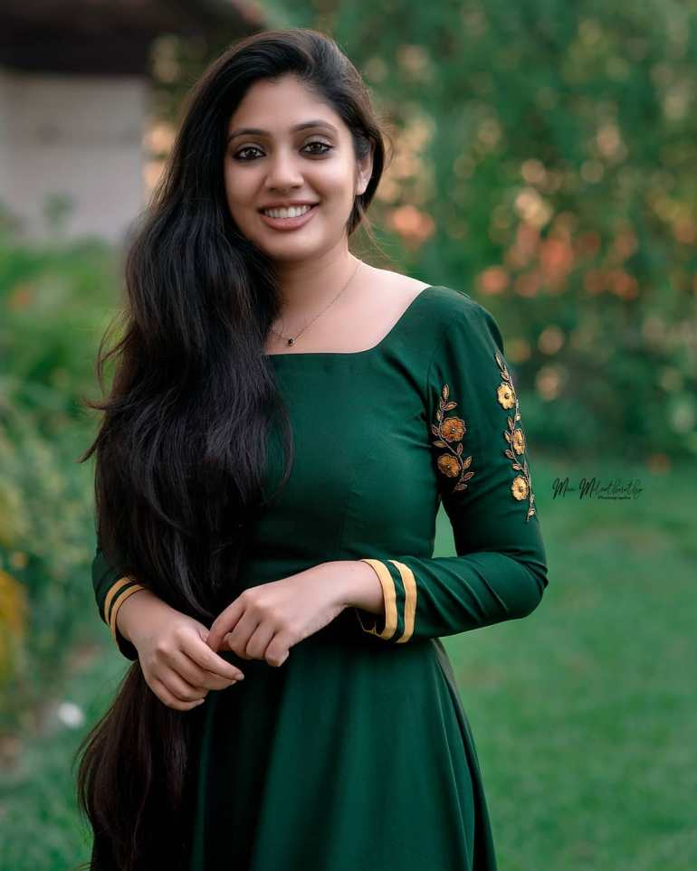 Veena Nandakumar Wiki, Age, Biography, Movies, and glamorous Photos 112