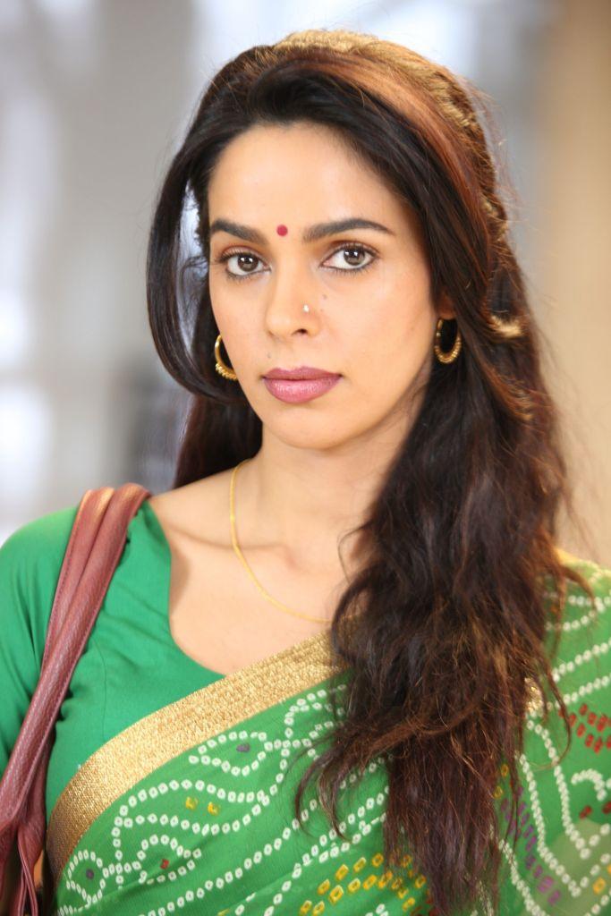 Mallika Sherawat Wiki, Age, Biography, Movies, and Gorgeous Photos 110