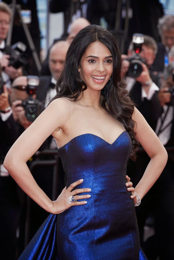 Mallika Sherawat Wiki, Age, Biography, Movies, and Gorgeous Photos 113