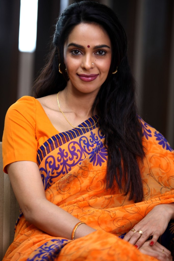 Mallika Sherawat Wiki, Age, Biography, Movies, and Gorgeous Photos 114
