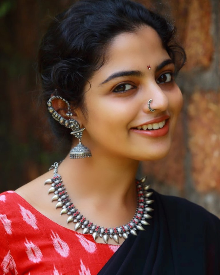 Nikhila Vimal Wiki, Age, Biography, Movies, and Beautiful Photos 109
