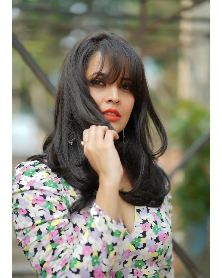 Anasuya Bharadwaj Wiki, Age, Biography, Movies, and Beautiful Photos 123