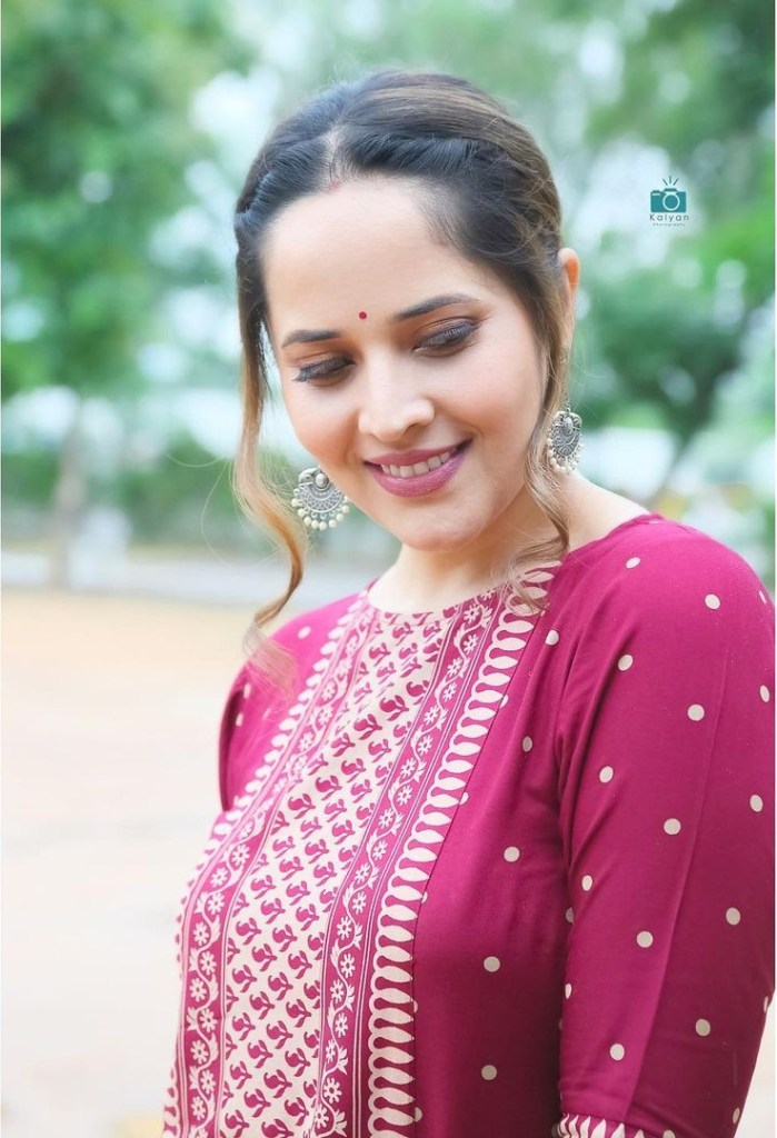 Anasuya Bharadwaj Wiki, Age, Biography, Movies, and Beautiful Photos 109