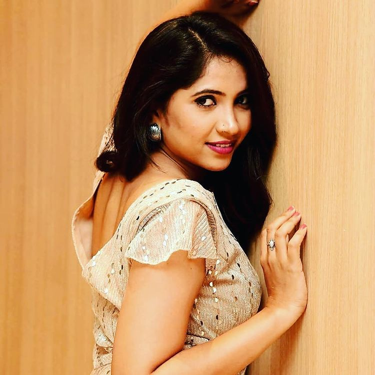 Anchor Indu Wiki, Age, Biography, Movies, and Gorgeous Photos 111