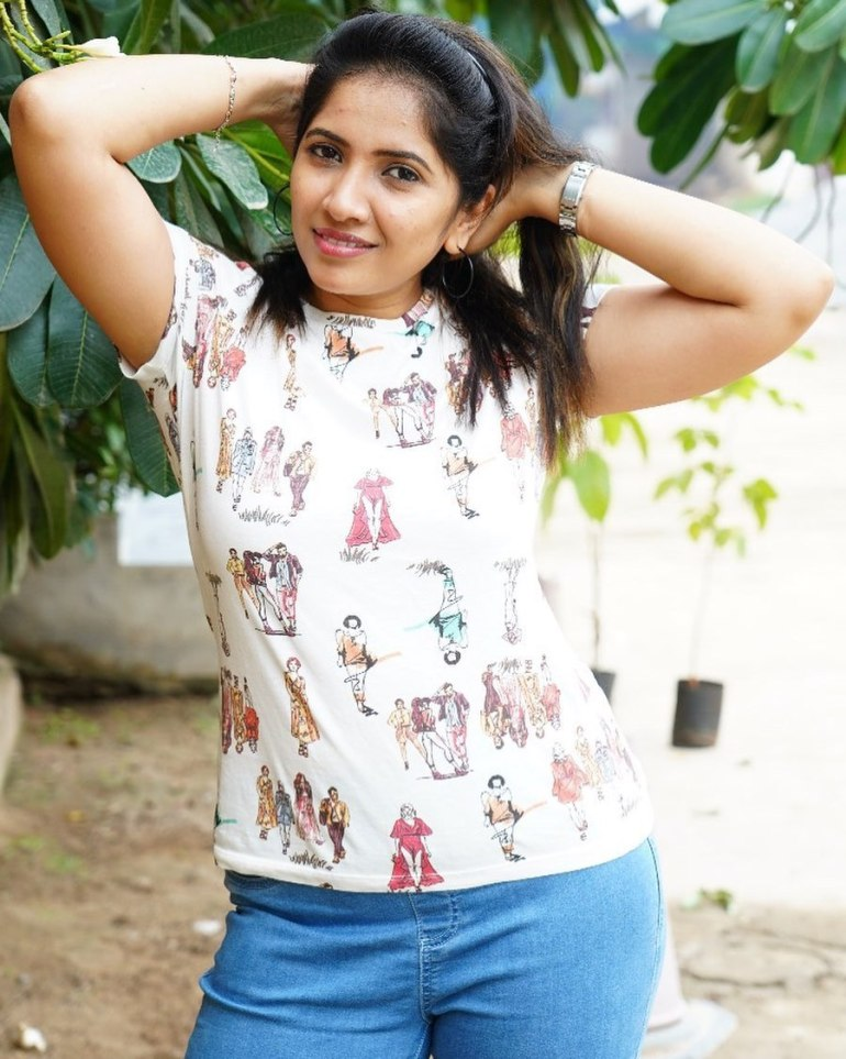Anchor Indu Wiki, Age, Biography, Movies, and Gorgeous Photos 105