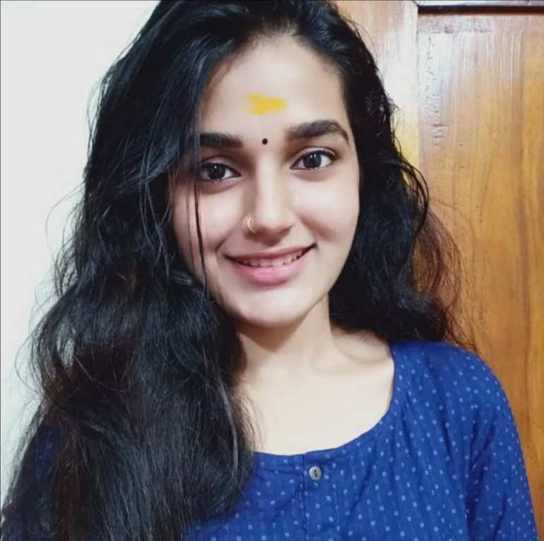 Aparna Janardanan Wiki, Age, Bio, Movies, Husband, Height, TV Shows, Photos 106