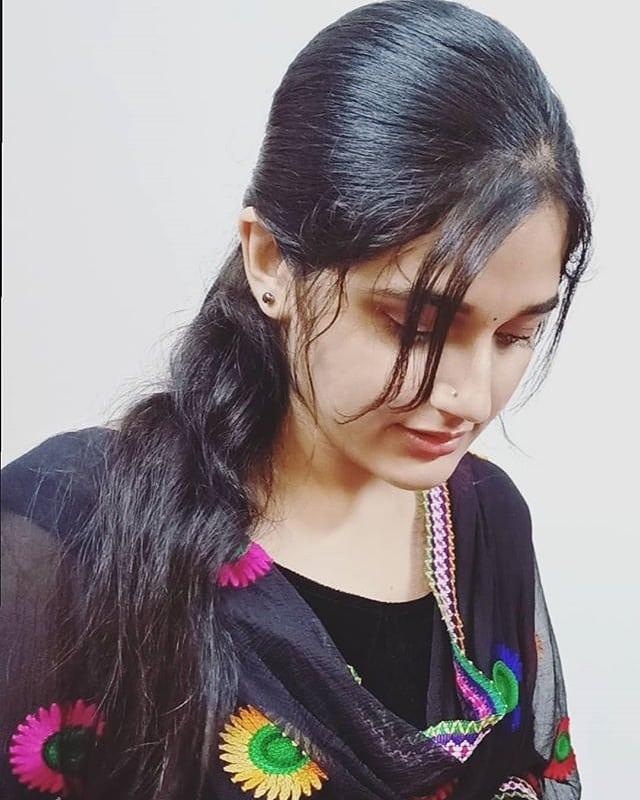 Aparna Janardanan Wiki, Age, Bio, Movies, Husband, Height, TV Shows, Photos 113