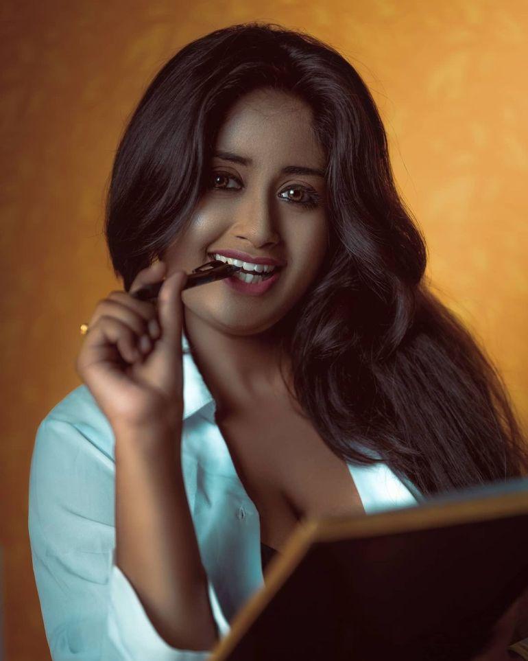 Bengali Model Avisikta Sarkar Wiki, Age, Biography, and Beautiful Photos 120