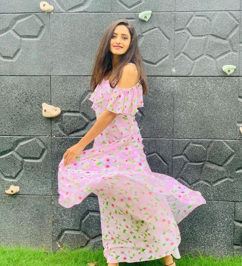 Ayesha ( Actress) Wiki, Age, Biography, Movies, and Beautiful Photos 132
