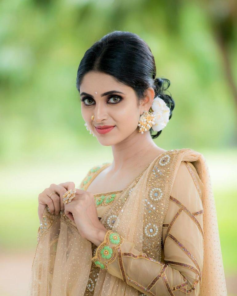 Ayesha ( Actress) Wiki, Age, Biography, Movies, and Beautiful Photos 110