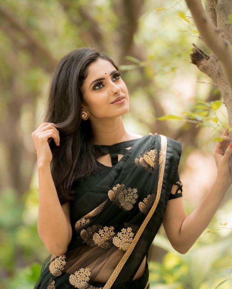 Ayesha ( Actress) Wiki, Age, Biography, Movies, and Beautiful Photos 118