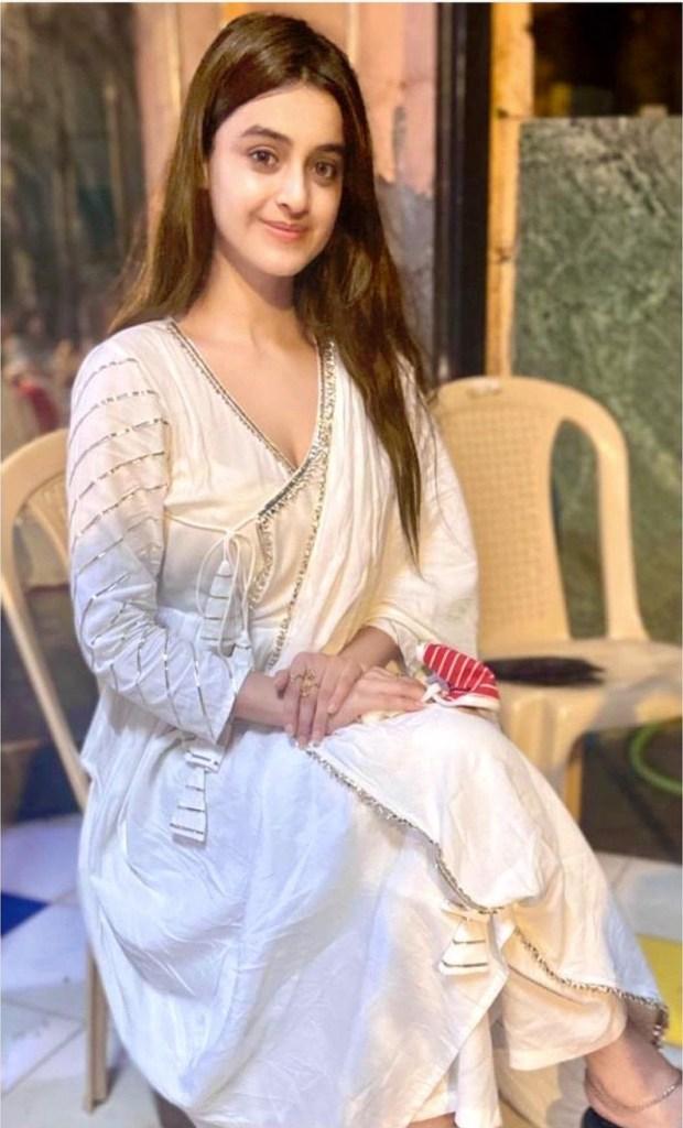 Darshana Banik Wiki/Biography and Beautiful Photos 117