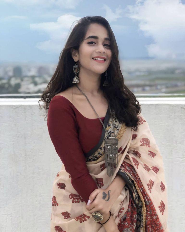 Deepthi Sunaina Wiki, Age, Biography, Movies, and Beautiful Photos 121