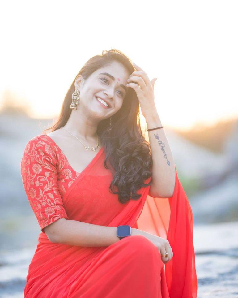 Deepthi Sunaina Wiki, Age, Biography, Movies, and Beautiful Photos 126
