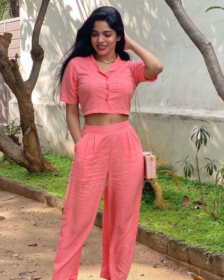 Divyabharathi (Tamil Actress) Wiki, Age, Biography, Movies, and Charming Photos 117