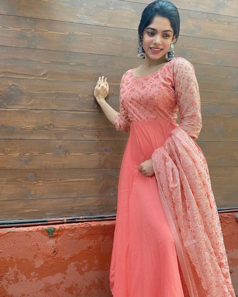 Divyabharathi (Tamil Actress) Wiki, Age, Biography, Movies, and Charming Photos 119