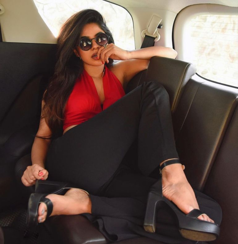 Divyabharathi (Tamil Actress) Wiki, Age, Biography, Movies, and Charming Photos 125