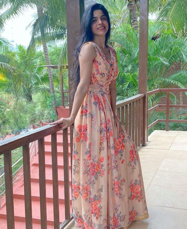 Divyabharathi (Tamil Actress) Wiki, Age, Biography, Movies, and Charming Photos 127