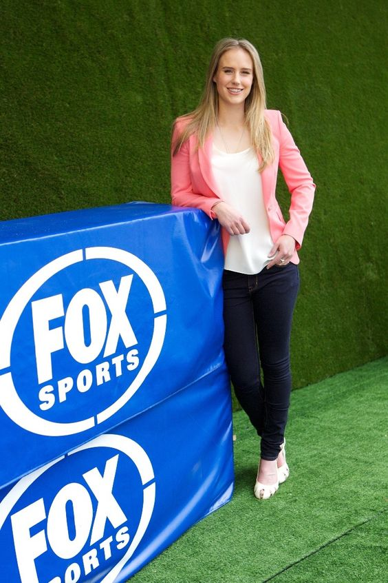 Australian cricketer Ellyse Perry Wiki, Age, Biography, Height, and Beautiful Photos 122