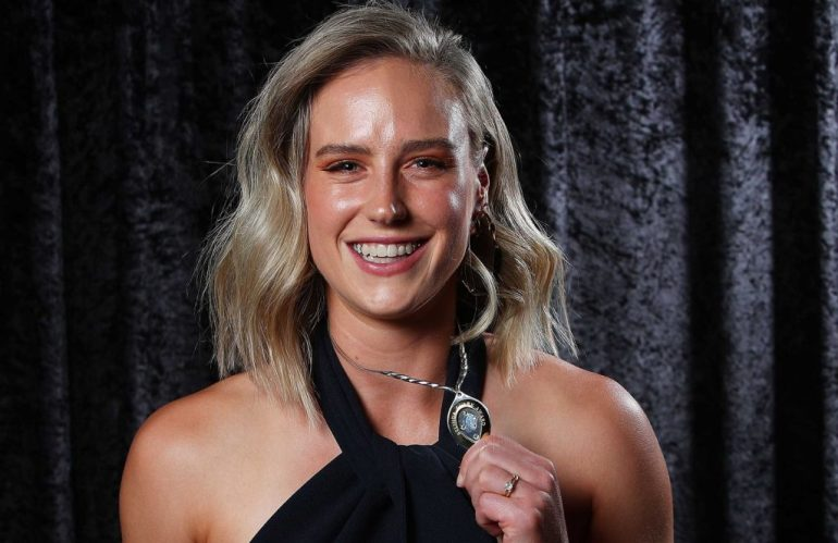 Australian cricketer Ellyse Perry Wiki, Age, Biography, Height, and Beautiful Photos 139