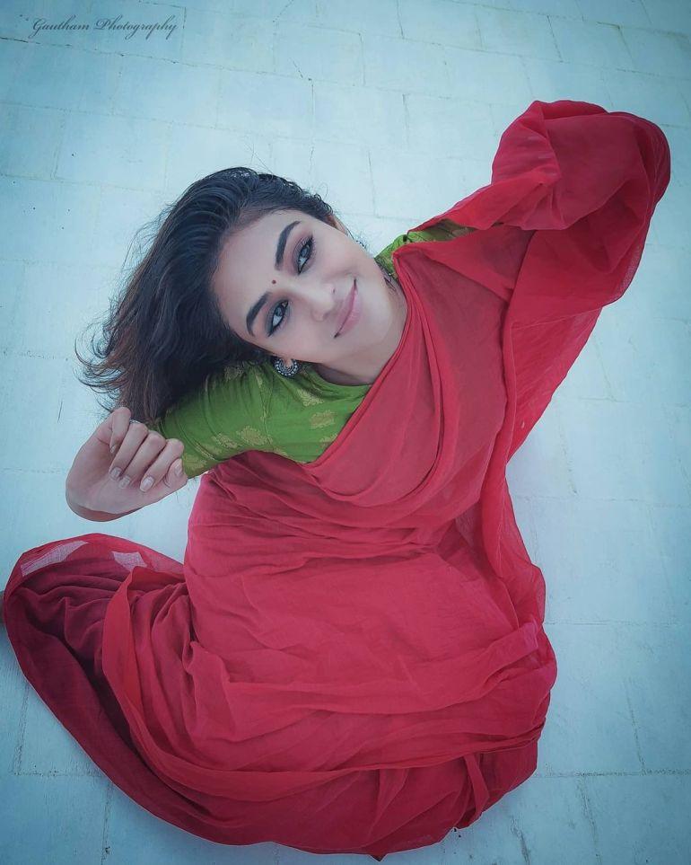 Indhuja Ravichandran Wiki, Age, Biography, Movies, and Beautiful Photos 121
