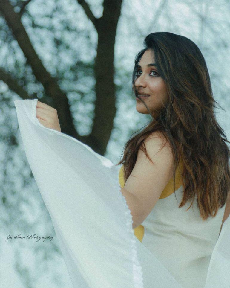 Indhuja Ravichandran Wiki, Age, Biography, Movies, and Beautiful Photos 128