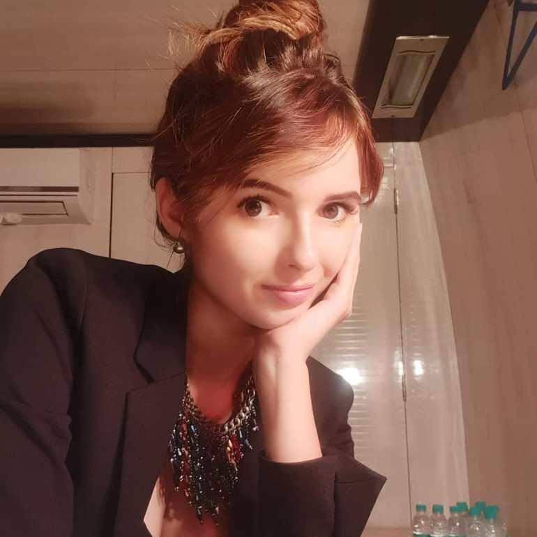 Joanna Robaczewska Wiki, Biography, Web Series, and Beautiful Photos 124