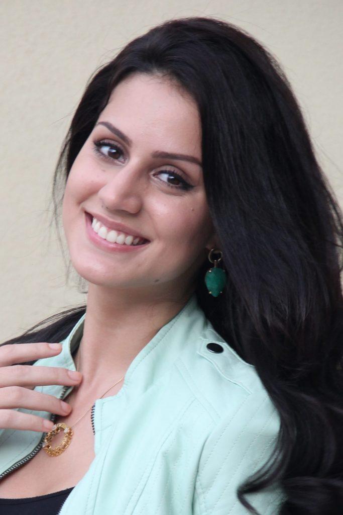 Larissa Bonesi Wiki, Age, Biography, Movies, and Beautiful Photos 131