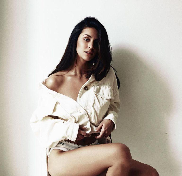 Larissa Bonesi Wiki, Age, Biography, Movies, and Beautiful Photos 123