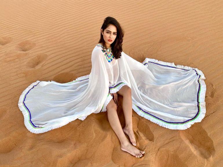 Malvi Malhotra Wiki, Age, Bio, Movies, Husband, Height, and Beautiful Photos 134