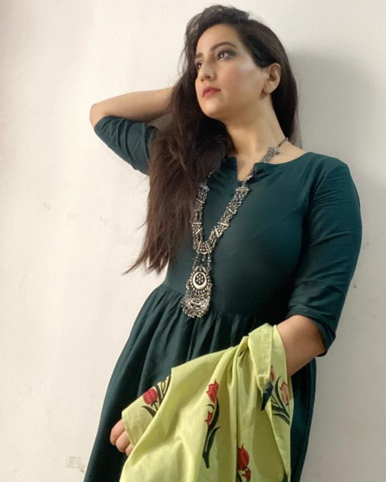 Manjusha Rampalli (Anchor Manjusha) Wiki, Age, Biography, Movies, and Stunning Photos 118