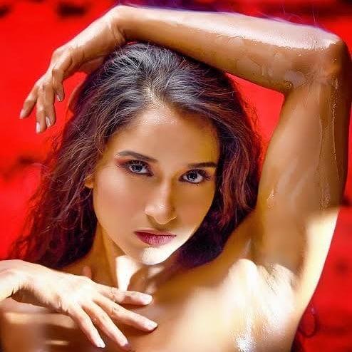 Pooja Bhalekar Wiki, Age, Biography, Movies, and Glamorous Photos 113