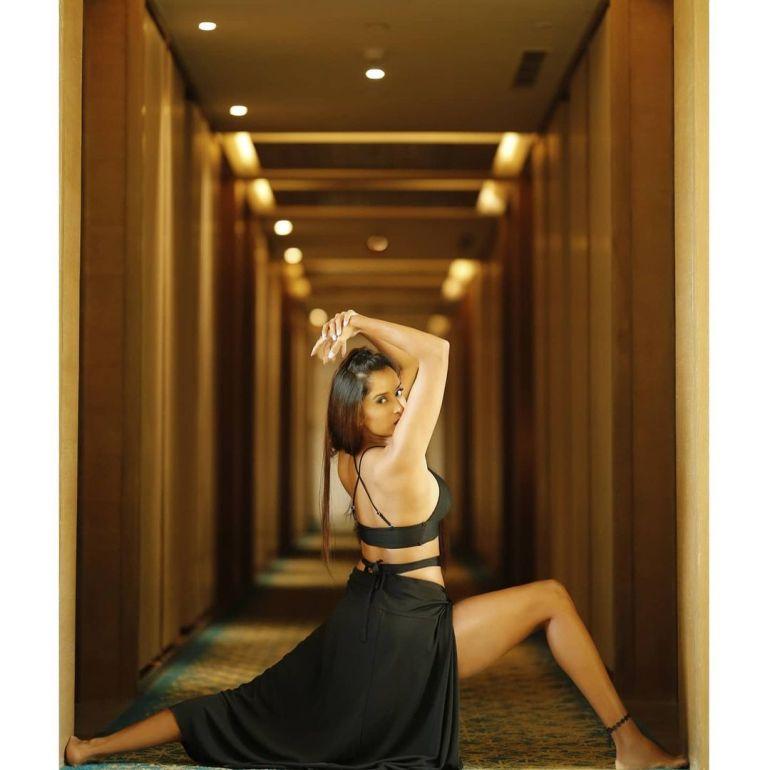 Pooja Bhalekar Wiki, Age, Biography, Movies, and Glamorous Photos 115