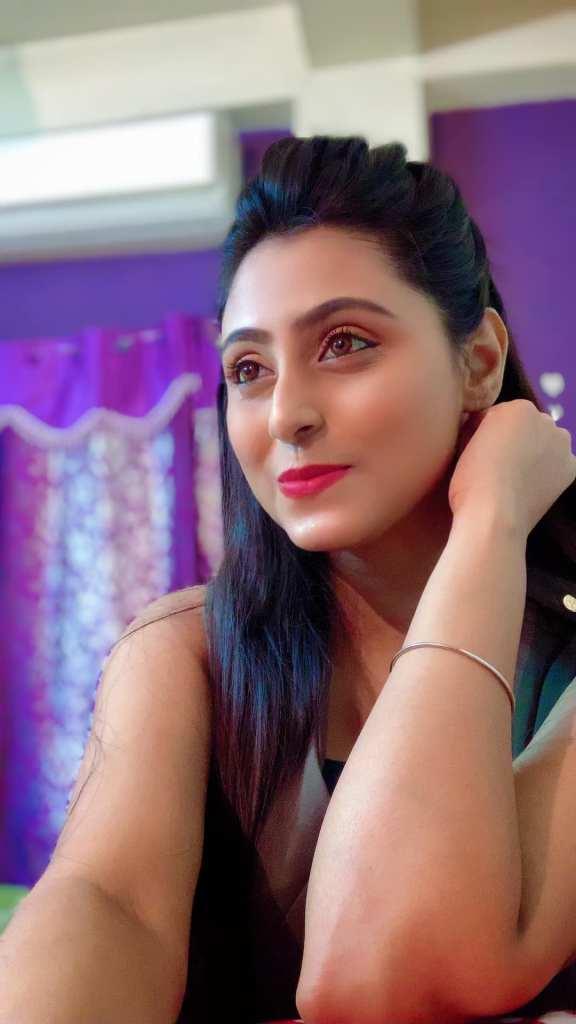 Bengali Model Priya Chakraborty Wiki, Age, Biography, Movies, and Beautiful Photos 132