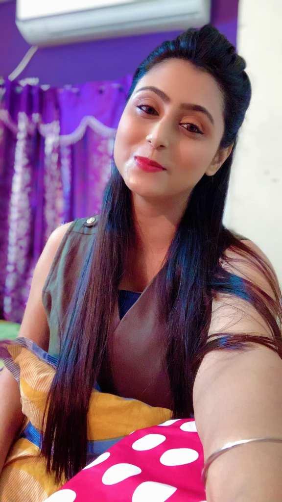 Bengali Model Priya Chakraborty Wiki, Age, Biography, Movies, and Beautiful Photos 133