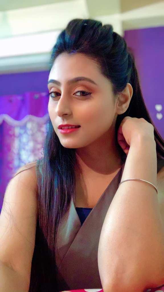 Bengali Model Priya Chakraborty Wiki, Age, Biography, Movies, and Beautiful Photos 134