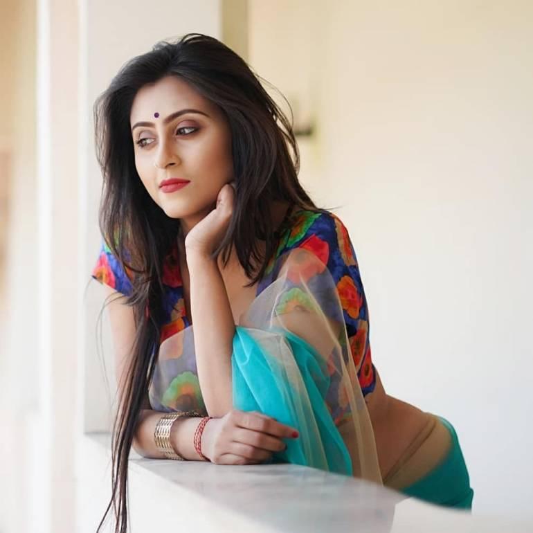 Bengali Model Priya Chakraborty Wiki, Age, Biography, Movies, and Beautiful Photos 129
