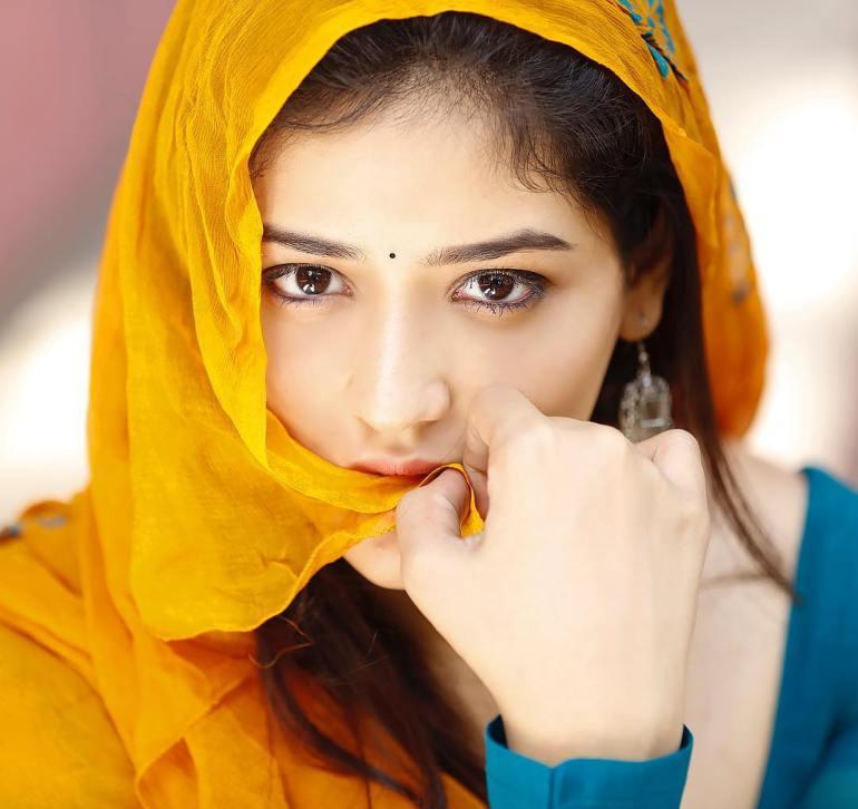 Priyanka Jawalkar Wiki, Age, Biography, Movies, and Stunning Photos 108