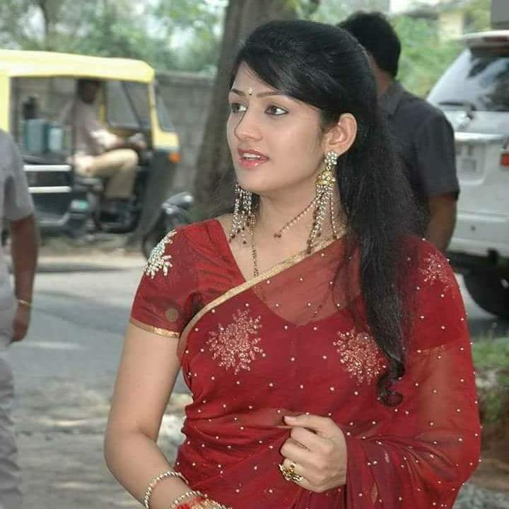 Radhika Kumaraswamy Wiki, Age, Biography, Movies, and Beautiful Photos 121