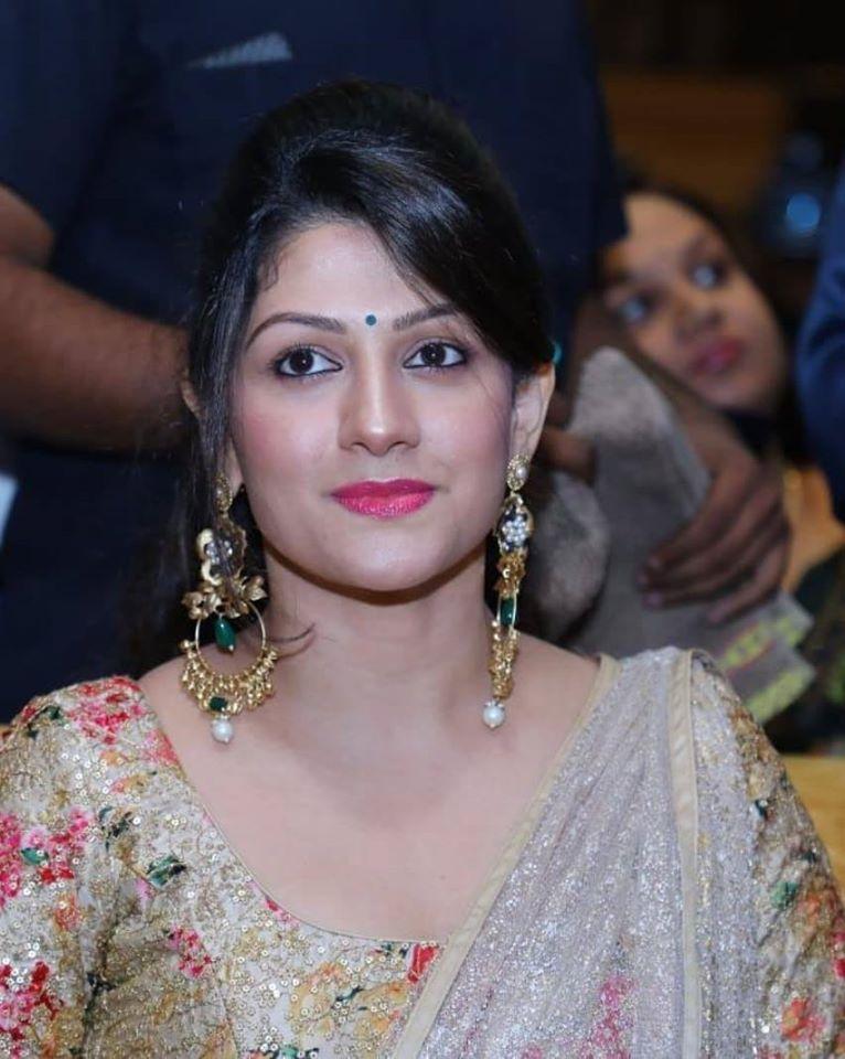 Radhika Kumaraswamy Wiki, Age, Biography, Movies, and Beautiful Photos 113